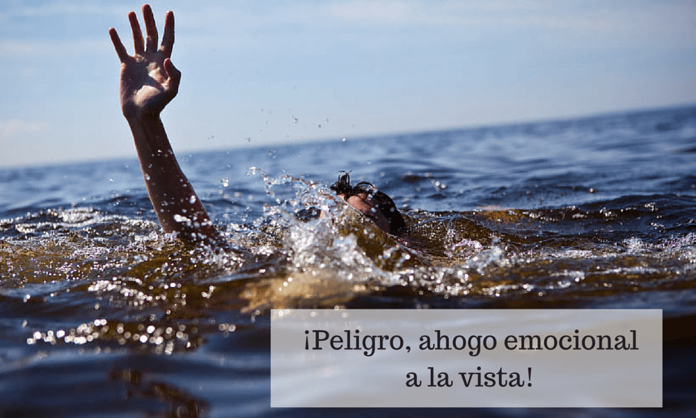 ¡Peligro, hombre al agua! (1)